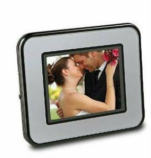 Sharper Image USB 2.0 Rechargeable Portable Photo Album Viewer