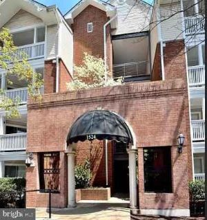 1524 Lincoln Way #404 McLean, SILVERLINE METRO One BR/One BA