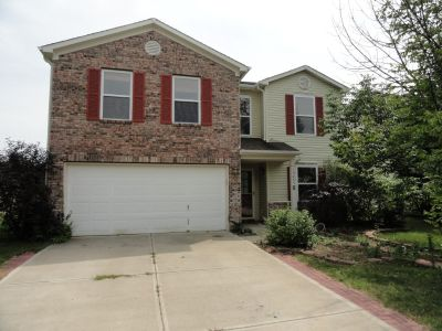 NOW SHOWING - 3 Bedroom 2.5 Bath Two-Story Home in Fishers