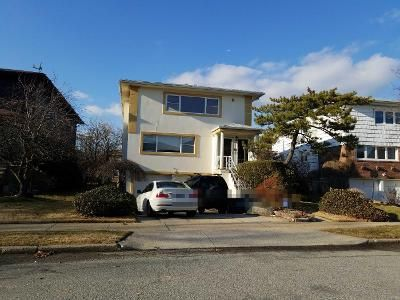 Preforeclosure Property in Bayside, NY 11360 - 27th Ave