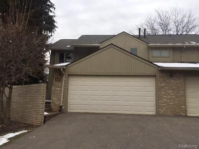 3 Bed 3 Bath Foreclosure Property in West Bloomfield, MI 48323 - Foxpointe Dr