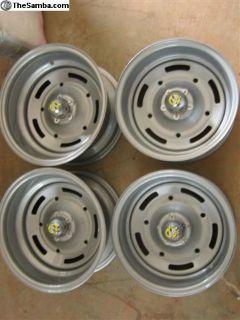Restored AP wheels Mooneye caps!
