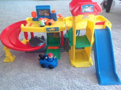 Little People Ramps Around Garage with sounds