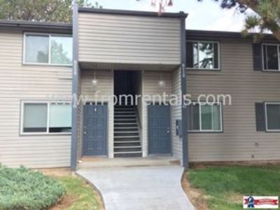 *$250 Move In Credit* 2 bed/1 bath upper level apartment - Pets Welcome!