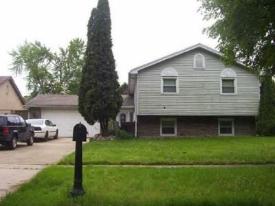 3 Bed 2 Bath Foreclosure Property in Hanover Park, IL 60133 - Cedar Ave