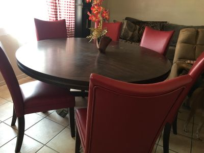 Ashley by Design Dining Room Set with 6 Leather Dining Chairs