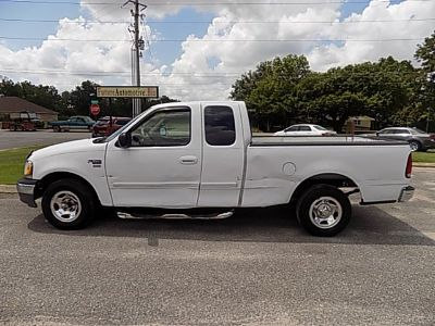 2003 Ford F-150 XL (White)