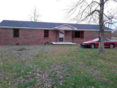 855 Rose Hill Rd Pulaski, Nice All Brick with 32 Acres.