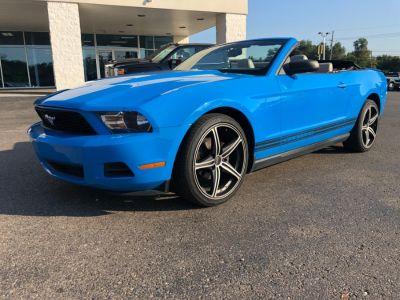 2010 Ford Mustang V6 (Blue)