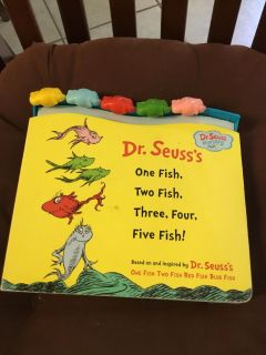 DR SEUSS BOARD BOOK WITH FISH BEADS