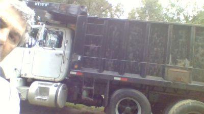 rd688 mack tri/alex dump truck