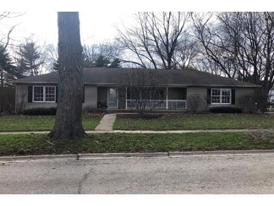 3 Bed 2 Bath Preforeclosure Property in Crystal Lake, IL 60014 - Lincoln Pkwy