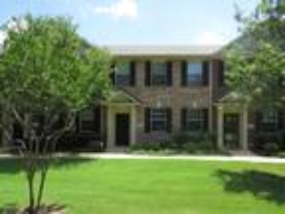Three BR, 2.5 BA Townhome in Schell Elementary close to Cityline