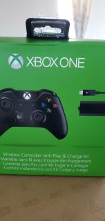 Xbox one wireless controller w play & charge kit
