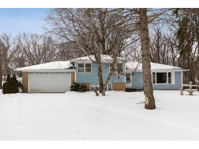 3 Bed 2 Bath Foreclosure Property in East Moline, IL 61244 - 23rd Ave
