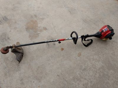 Troy built weed eater 4 stroke runs great starts on second pull