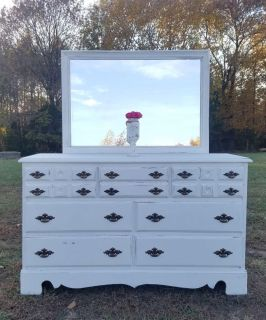 FARMSTYLE WHITE DRESSER/CHEST OF DRAWERS