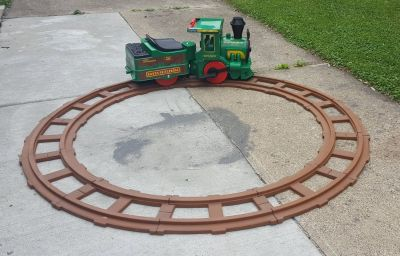 Peg Perego Santa Fe Express ride on train w rechargeable battery and track
