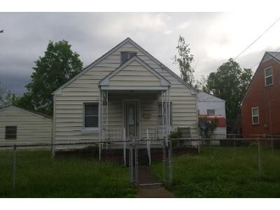 Preforeclosure Property in Saint Albans, WV 25177 - Lincoln Ave