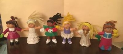 6 Cabbage Patch Dolls