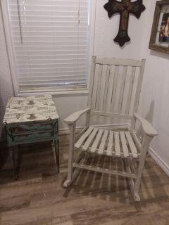 Adorable solid wood farmhouse rocking chair and farmhouse style end table