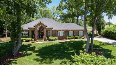 3964 Deer Run NE Drive Conover Three BR, Just listed in Rock Barn