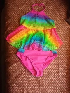 Girls swim suit( see pics for sizes)