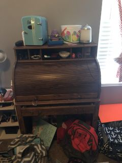 Free Roll Top Desk (needs cleaning)