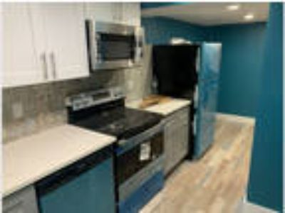 No Fee Luxury Apartment. Only a Few Blocks from South Pacific Playground and