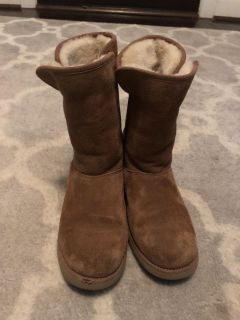 Girls size 4 Ugg boots