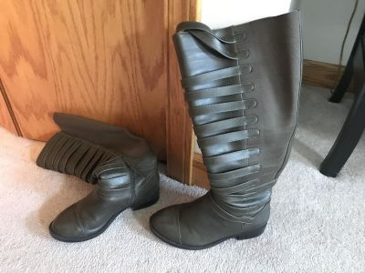 Torrid boots like new size 7