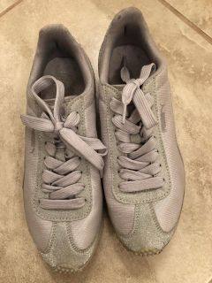 Puma Sparkly Silver Sports Shoes - Size 7 Ladies