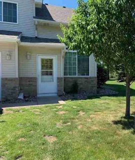 8846 92nd Street S COTTAGE GROVE Two BR, Desirable end unit!