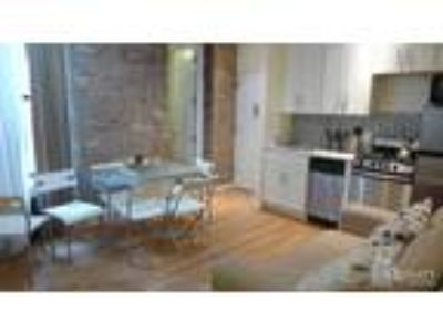 Great Share! Reno Three BR+Expo Brick+Outdoor Space+Ssl Appl+Dishwasher+Laundry+