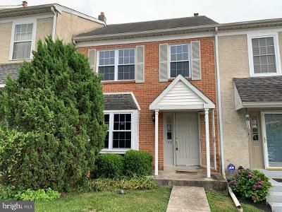 2 Bed 2 Bath Foreclosure Property in Norristown, PA 19403 - Sandalwood Ln