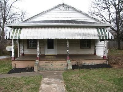 3 Bed 1 Bath Foreclosure Property in Lynchburg, VA 24501 - Campbell Ave