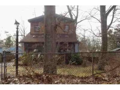 3 Bed 2 Bath Foreclosure Property in Clementon, NJ 08021 - E 5th Ave