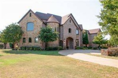 135 Brookbend Drive Waxahachie, Enjoy Luxury Living at