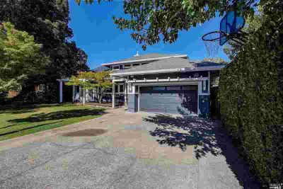 75 Berens Drive KENTFIELD Four BR, Amazing Opportunity to own a