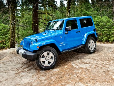 2013 Jeep Wrangler Rubicon (Black Clearcoat)