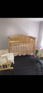 3 in 1 Crib with toddler conversion & Dresser!