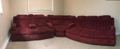 Beautiful Red La-Z-Boy Sectional Couch/Loveseat with 4 recliners in Excellent condition