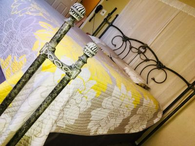 King bed frame. Excellent condition
