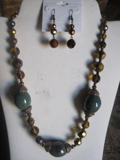 NECKLACE & EARRINGS SET - BRAND NEW