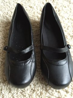 Woman's Leather Mary Janes-Size 9