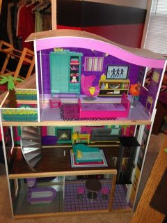 Barbie or doll house OBO