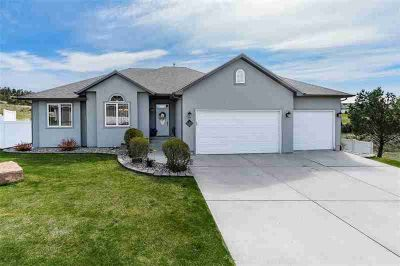 2735 Torrey Pines Drive BILLINGS, This bright and welcoming
