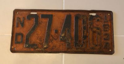 1934 license plate - vintage - collectible!