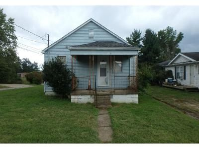 2 Bed 1 Bath Preforeclosure Property in Parkersburg, WV 26101 - 17th Ave