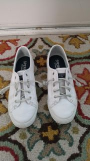 Women's Sperry Shoes: Size 7